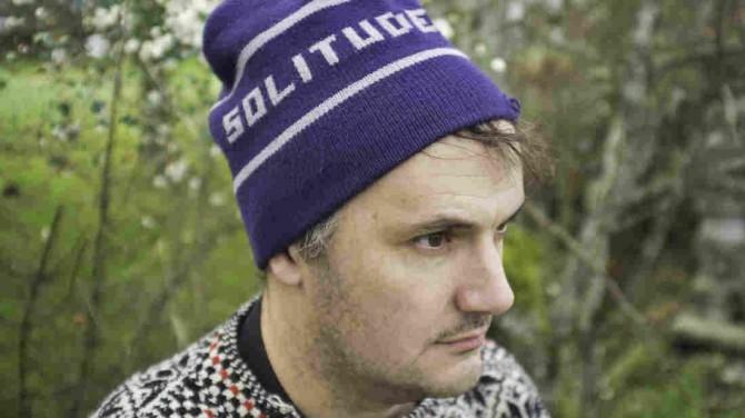 solitudehat wide-1c60010acd2e4637ed871cdd90632c41c29d3aa0-s1100-c15 Benedikt Sartorius. Journalist und Popkulturist.