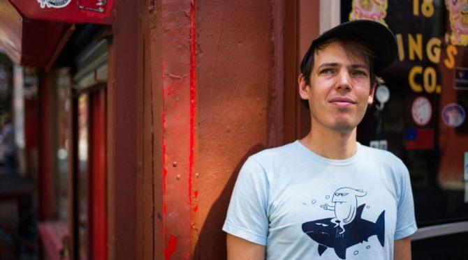 Jeffrey-Lewis-2015 Benedikt Sartorius. Journalist und Popkulturist.