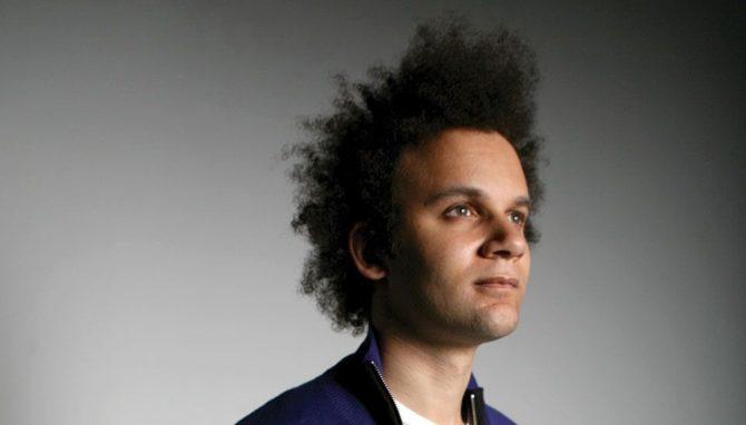 Tyondai-Braxton Benedikt Sartorius. Journalist und Popkulturist.